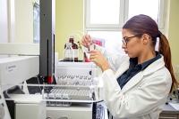 Mikroorganismen aus Gewässern im Labor kultivieren