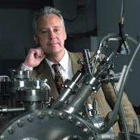 Ein Atom dünn: Physiker messen erstmals mechanische Eigenschaften zweidimensionaler Materialien