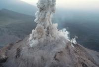 Wie Drohnen explosive Vulkane überwachen können